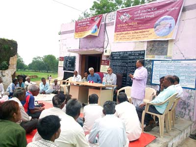 Gram Sabha (Village Meeting) at Village JunaHandiya Ta. Balasinor Dist. Mahisagar to Adopt the Village.